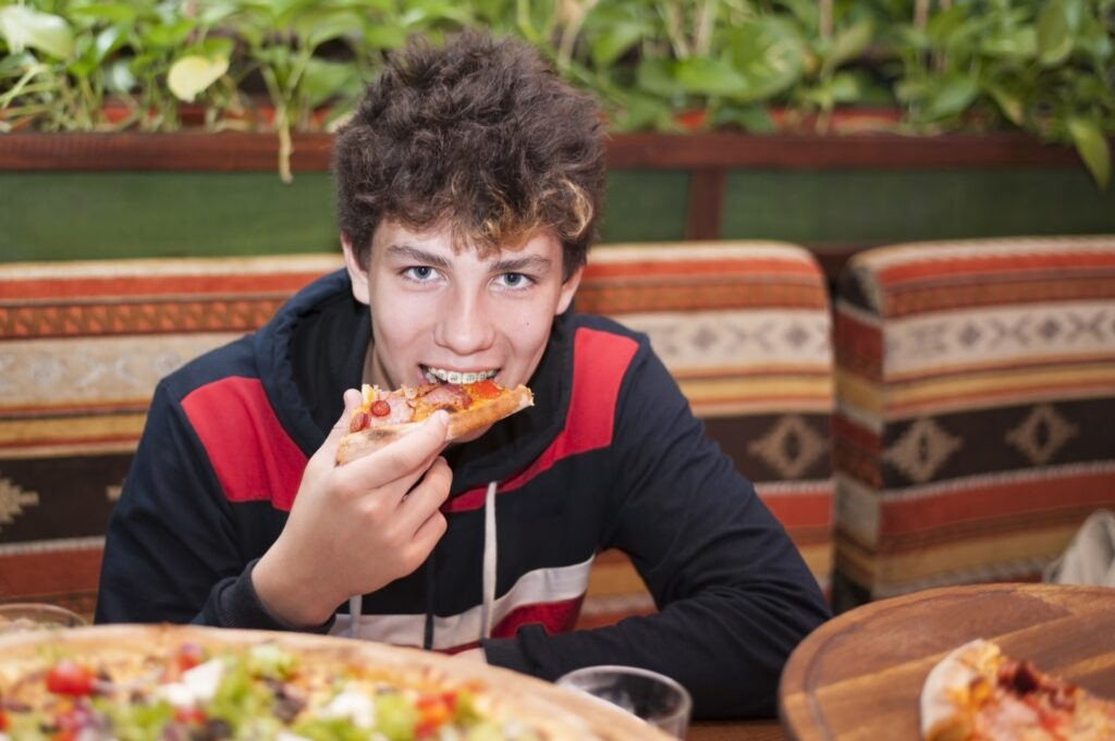 Read more on How to Chew and Eat With Braces